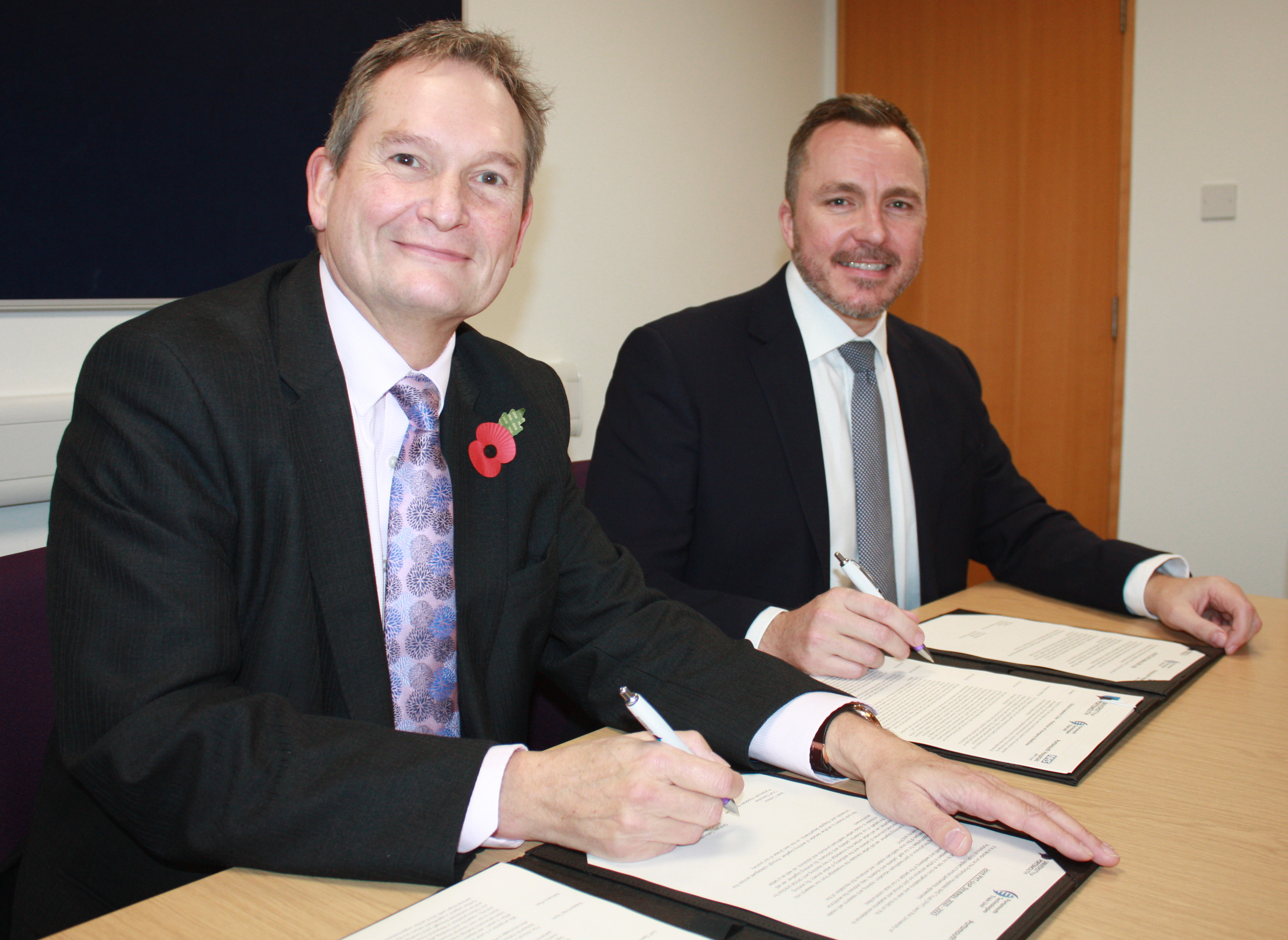 Portsmouth Hospitals NHS Trust and University of Portsmouth strengthen relationship by signing strategic partnership
